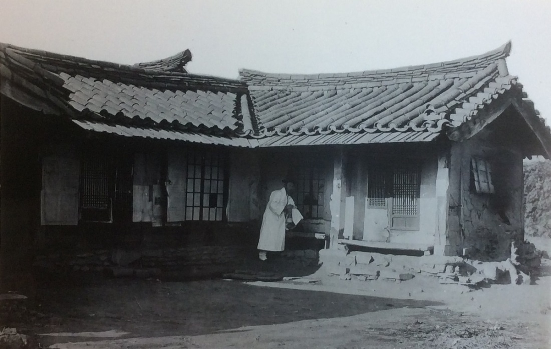 1. 1895 First Presbyterian Church building in Pyongyang cropped